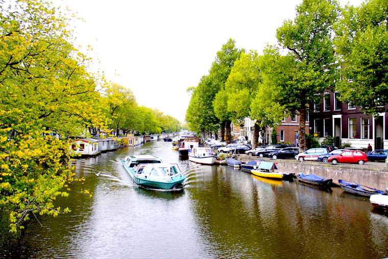 onde fica Amsterdã